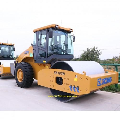Xe lu rung XCMG XS183J - Tự trọng 18 tấn, tổng lực tác dụng 40 tấn